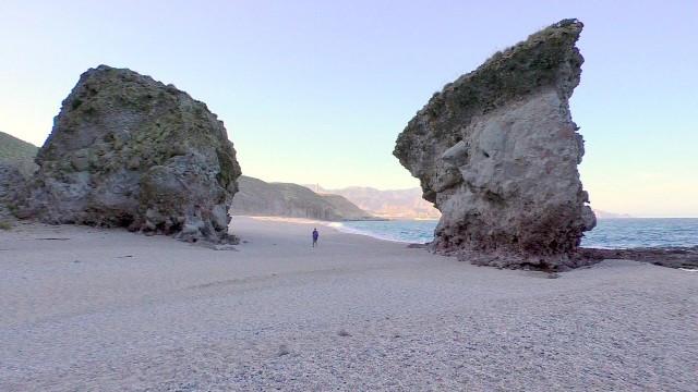 la-playa-de-los-muertos-640x360