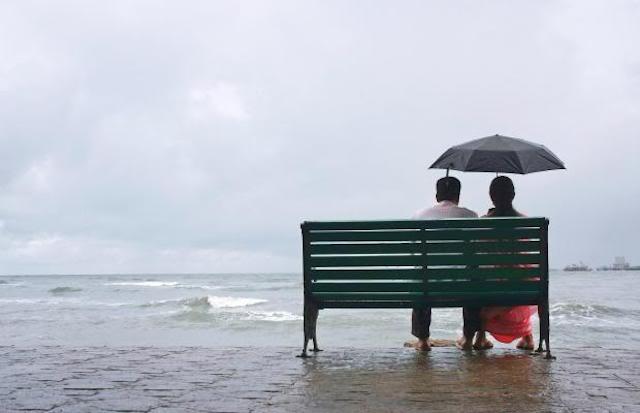 raining-at-beach